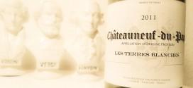 Sød og letdrikkelig Chateaneuf-du-Pape til under 80 kr
