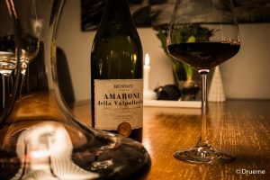 Bennati Amarone i karaffel og glas